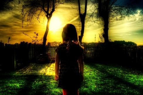 Gadis Kecil di Ujung Jalan, Puisi Deni Irwansyah